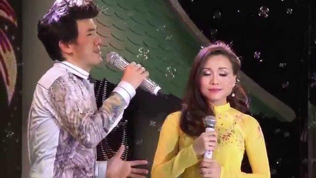 Lk Hoa Mười Giờ – Hoàng Châu ft Dương Ngọc Thái (nhiều videos)